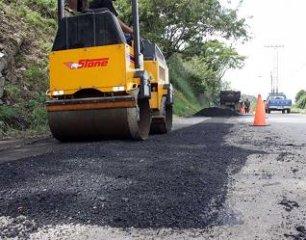 colocacion_asfalto_3.jpg