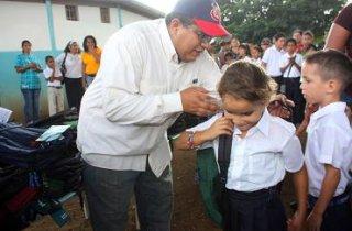 bolsos_escolares_uen_simon_bolivar_1.jpg